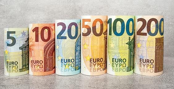 Alege bine banca cu care lucrezi, si in functie de facilitatile la schimb valutar